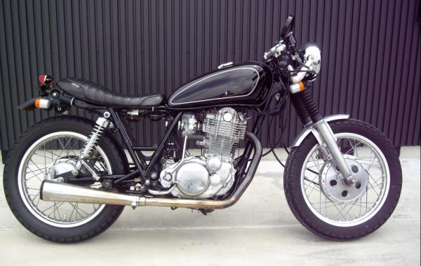 ヤマハSR400